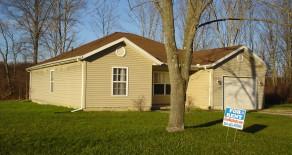 15407 Knoll St NE, Alliance OH 44601